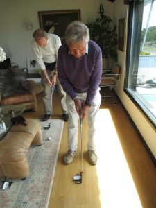 Sweden 2015 Pelle Petterson showing Gerry the putter